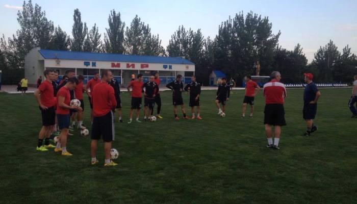 Ровенчане успели опробовать газон стадиона «Затис», фото НК Верес