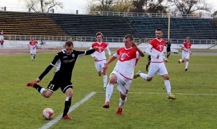 Баранович (слева) против белоцерковцев, фото koloskovalivka.com
