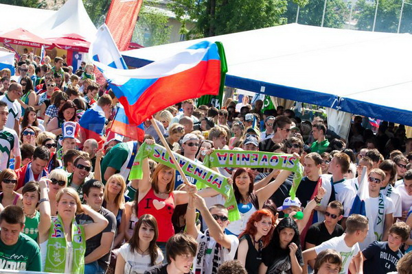 1277341817-slovenia-vs-england--slovenian-football-fans-go-crazy-watching-a-game_364437