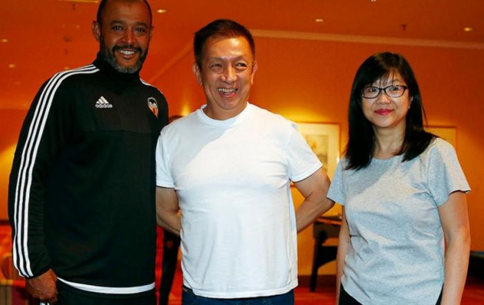 Нуну, Питер Лим и Лэй Хун (президент клуба), valenciacf.com