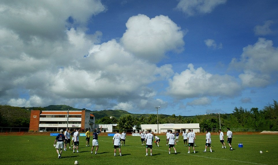 Тот самый тренировочный лагерь в Сайпане, Daily Mail