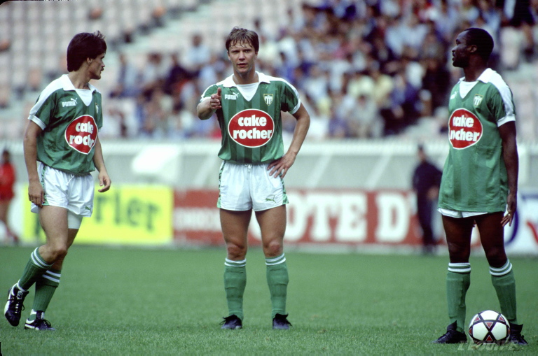 Роже Милла был лидером атак Сент-Этьена, который сыграл товарищеский матч с Динамо летом 1986 года.