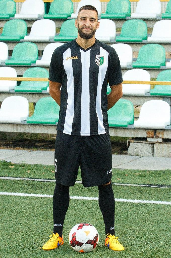 Возвращенный в ФК Полтава Фаворов успел поиграть на разных позициях и забить четыре мяча, фото vk.com