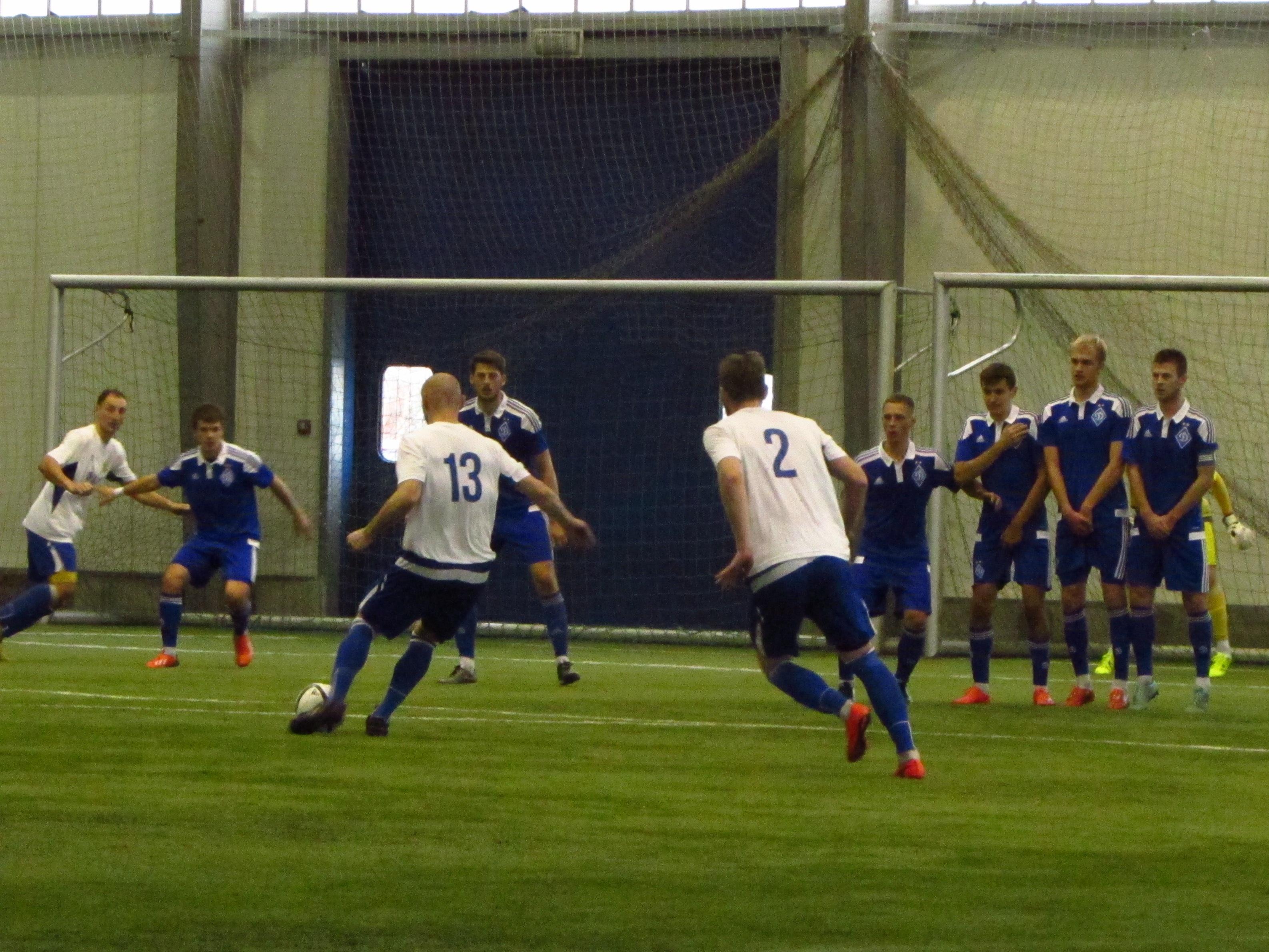 После этого удара Пичкура мяч угодит в штангу динамовских ворот, фото Артура Валерко, Sport Arena