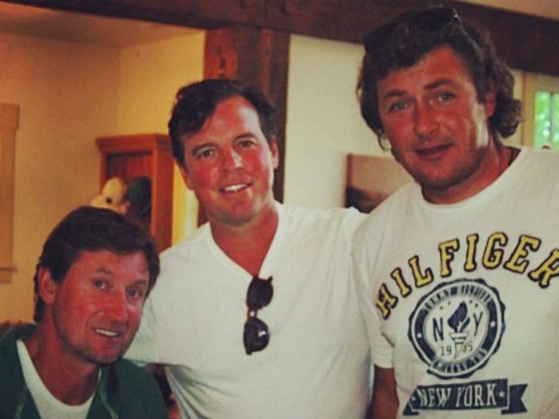 Слева направо: Уэйн Гретцки, Расс Куртнолл,  Борис Дороженко