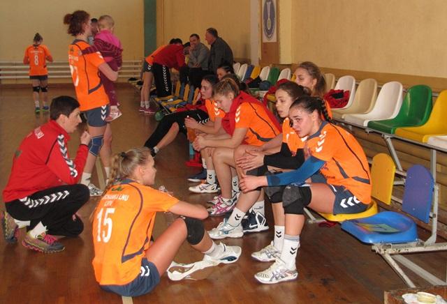 Таймаут Галичанки в игре против Карпат, handball.net.ua
