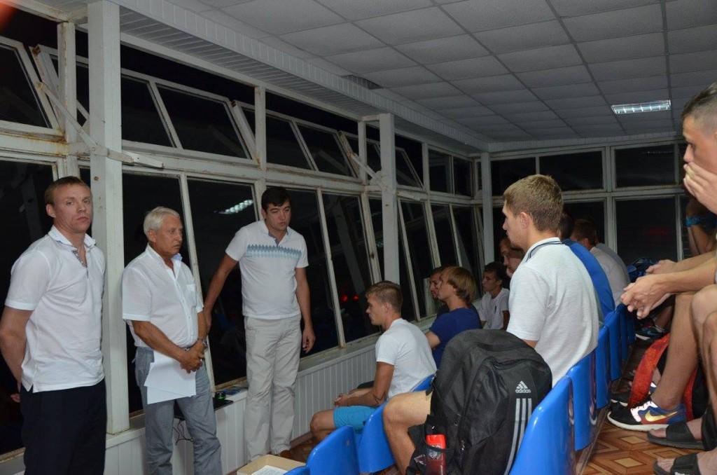 Сергей Валяев (слева) дебютирует на посту главтренера никопольцев, фото АПФУ