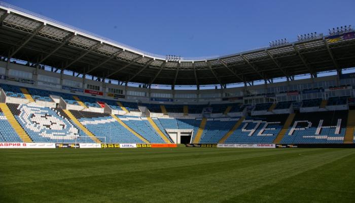 Трибуны стадиона со стороны моря, фото Максима Сухенко