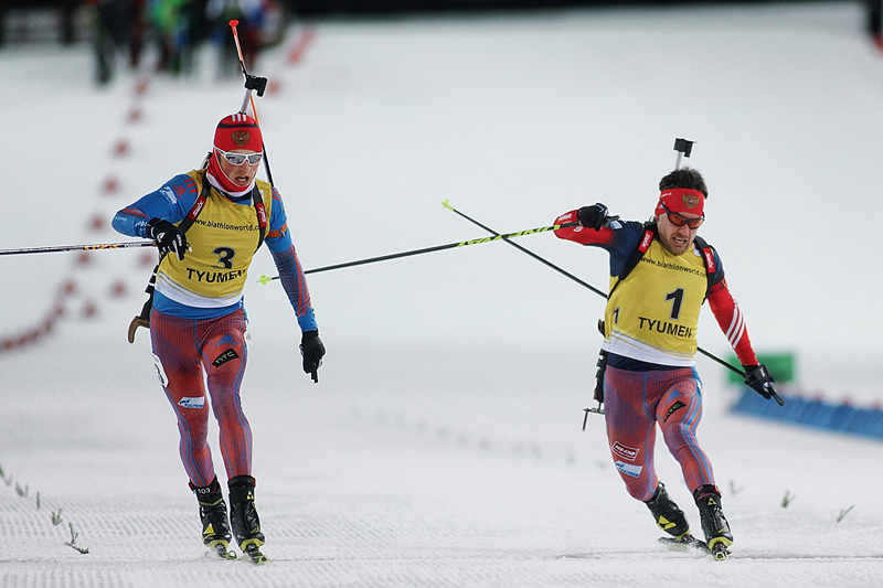 Борьба за победу между Бабиковым (на фото - слева) и Гараничевым (на фото - справа) в пасьюте, eurobiathlon.csp72.ru