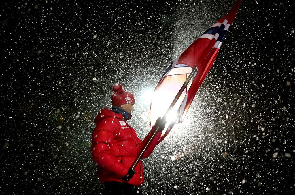 Вечный знаменосец - Оле Эйнар Бьорндален на церемонии открытия чемпионата мира, Getty Images