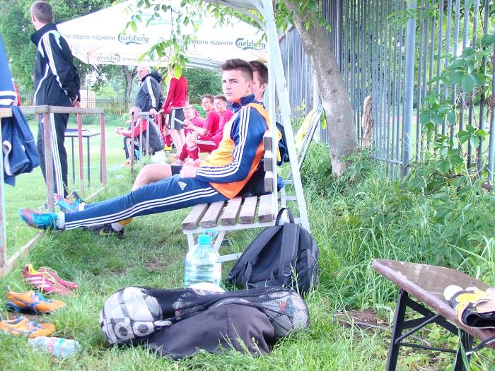 Лава запасних під час матчу молодіжних команд Говерли та Волині, фото Андрія Сеньківа