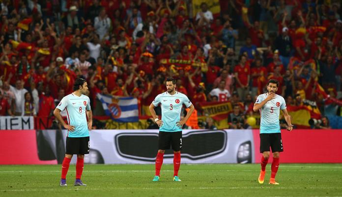 Сборная Турции переиграла Чехию наЕвро
