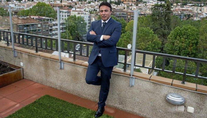 Кике Пина покинул пост президента Гранады