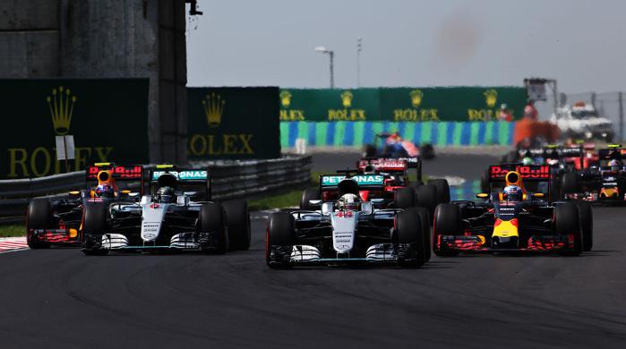 Хорнер: «У Мерседеса своя Формула-1»
