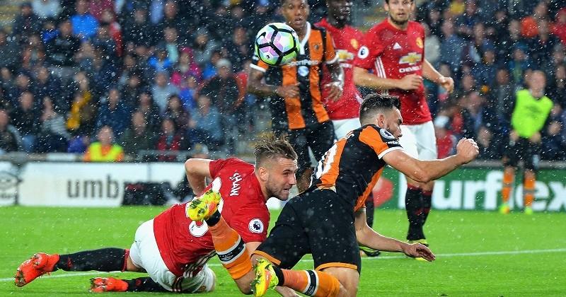 Видео, как «Манчестер Юнайтед» вырвал победу вматче с«Халлом»