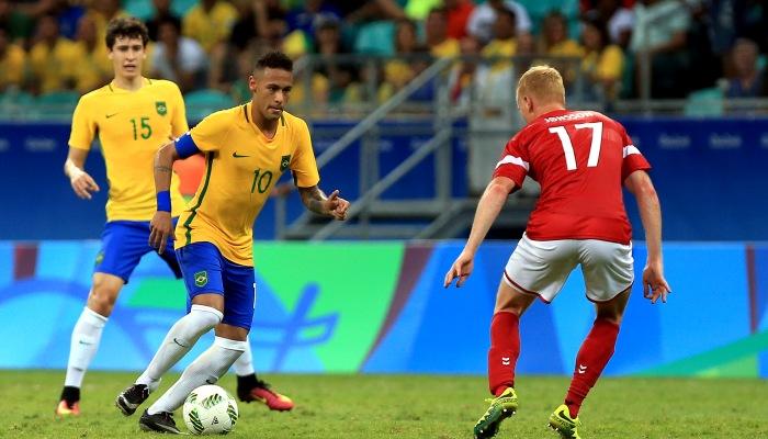 Бразилия разгромила Данию ивышла в ¼ финала Олимпиады