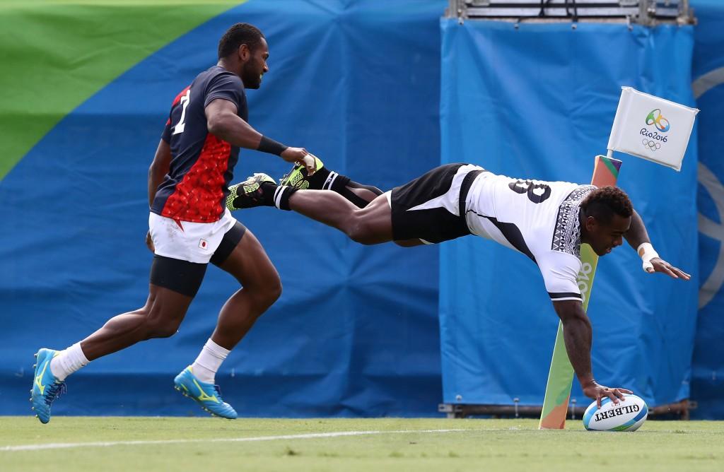Джошуа Туїсова робить спробу у півфінальному матчі проти Японії, Getty Images