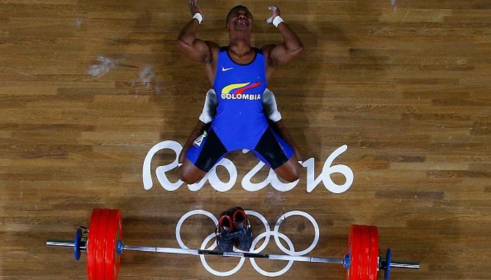Колумбийский тяжелоатлет принес собственной стране первое золото наИграх