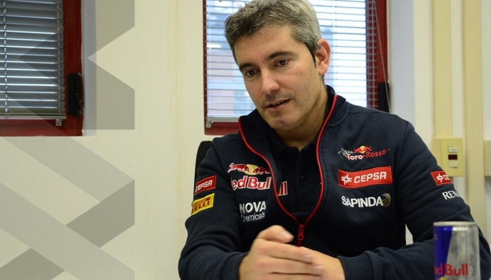 Чави Пухолар— главный гоночный инженер Sauber