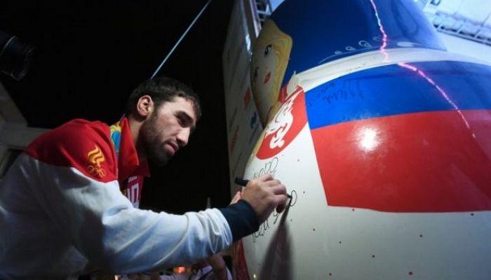 «Золотой рейс» сроссийскими олимпийцами приземлится ваэропорту Шереметьево в19