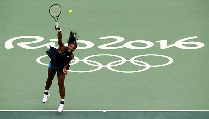 Серена Уильямс одолела Гаврилову впервом круге Олимпиады, Павлюченкова сыграет сПуиг
