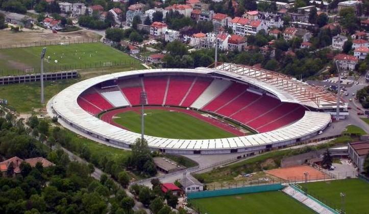 На матч Сербия — Украина продано лишь восемь тысяч билетов. Стадион вмещает 55 тысяч