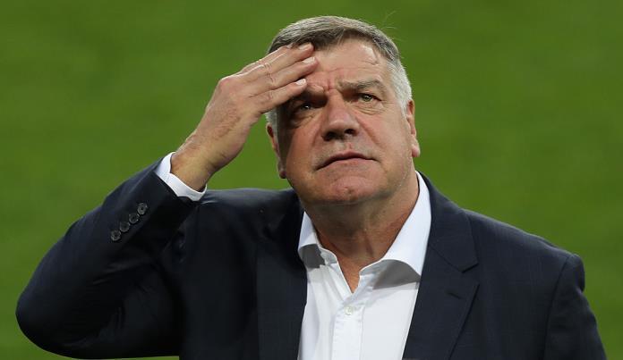 Главный тренер сборной Британии уволен после коррупционного скандала