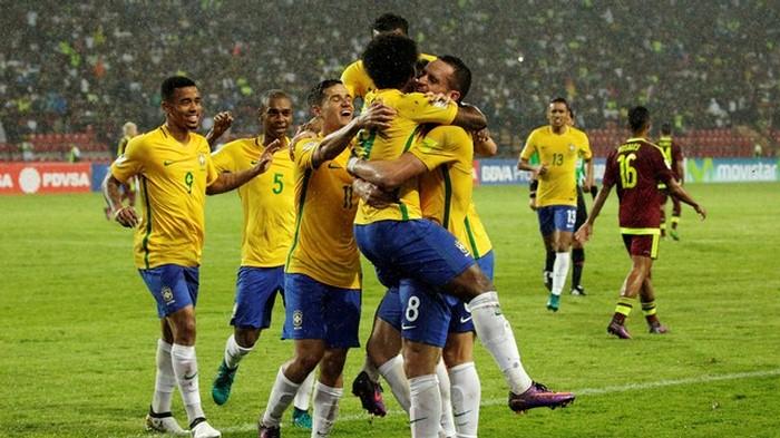 Тайсон сыграл засборную Бразилии несколько минут вматче, где забил Виллиан