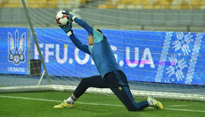 Украинские футболисты одержали первую победу под управлением Шевченко, обыграв Косово 3:0