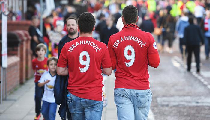 «Манчестер Юнайтед» реализует больше всех футболок вевропейских странах