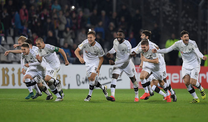 «Байер» вылетел изКубка Германии отклуба 3-го дивизиона
