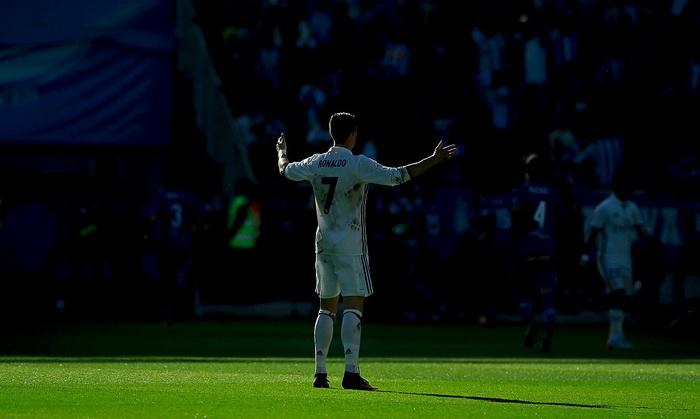 Испания, 10-й тур. Алавес— Реал 1:4. Роналду бьет три раза