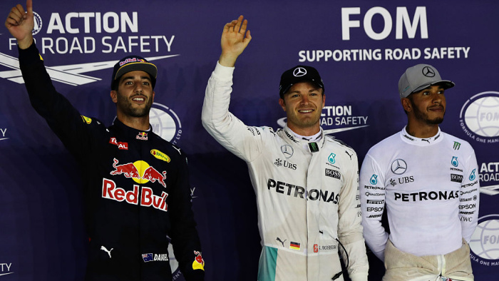 Квалификацию Гран-при Абу-Даби одержал победу Льюис Хэмилтон