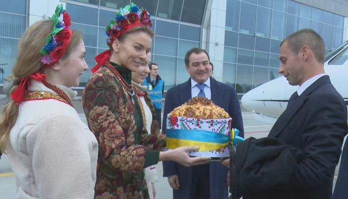 Президент УЕФА прибыл сделовым визитом встолицу Украины