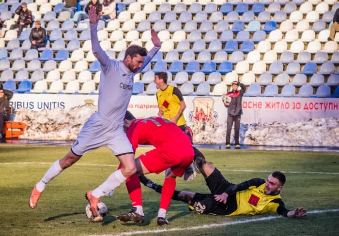 Козырь был удален уже через полторы минуты после выхода на замену, фото И.Данилова, fcbukovyna.com