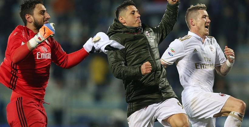 Дубль Лападулы помог «Милану» побороть «Эмполи» вматче чемпионата Италии