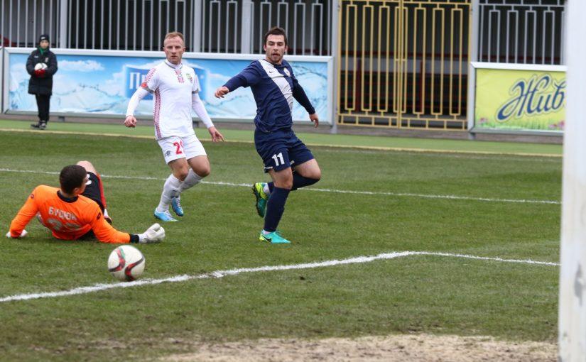 Бовтрук забивает Будюку, фото desna.football