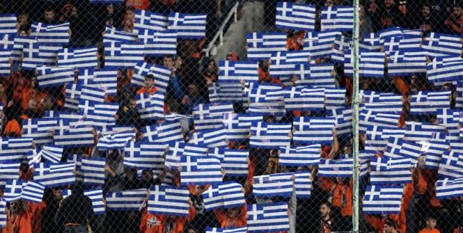 Пламенеют дома греческих футбольных чиновников
