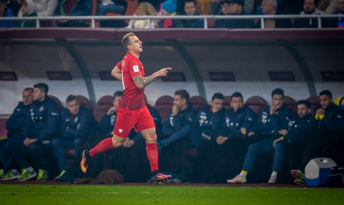 Левандовски пострадал отвзрыва петарды вовремя матча Польши сРумынией