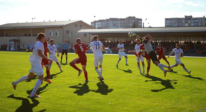 Экс-вратарь Горняка-Спорт Чумак не смог удержать ворота в Горишних Плавнях, фото gornyak-sport.net