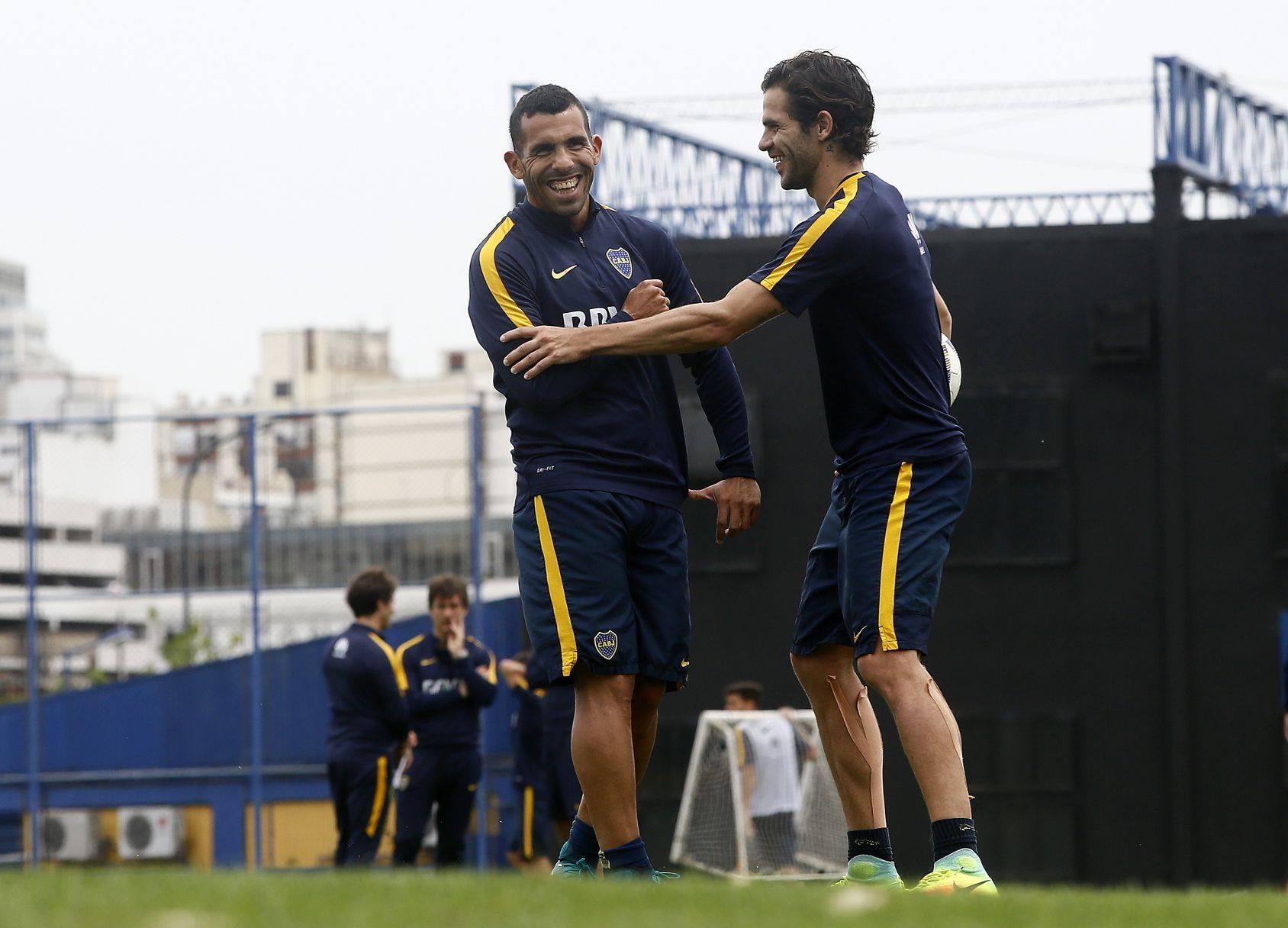 Карлос Тевес и Фернандо Гаго, facebook.com/BocaJuniors