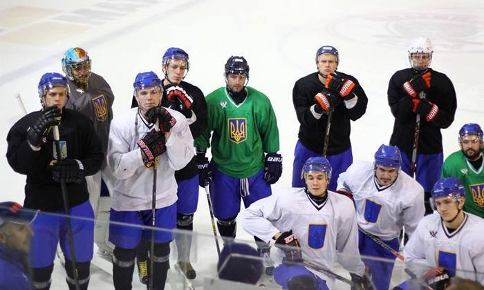 Хоккейная сборная Украины споражения стартовала намеждународном турнире вПольше