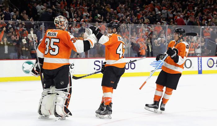 НХЛ. «Филадельфия» первой всезоне выиграла 10 матчей подряд