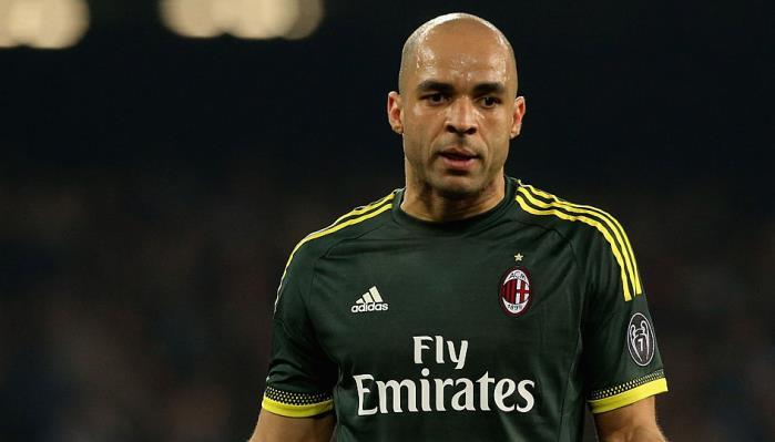 Прошлый защитник «Челси», «ПСЖ» и«Милана» Алекс завершил карьеру