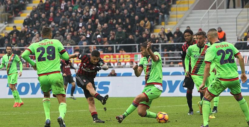 Против «Кротоне» «Милан» сыграет вфутболках, приуроченных памяти игроков «Шапекоэнсе»