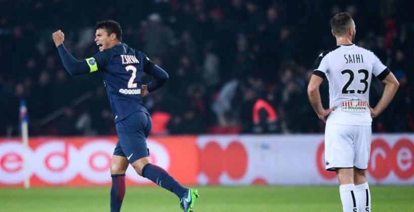 Чемпионат Франции. Кавани забил сотый гол за«ПСЖ» ипосвятил его «Шапекоэнсе»