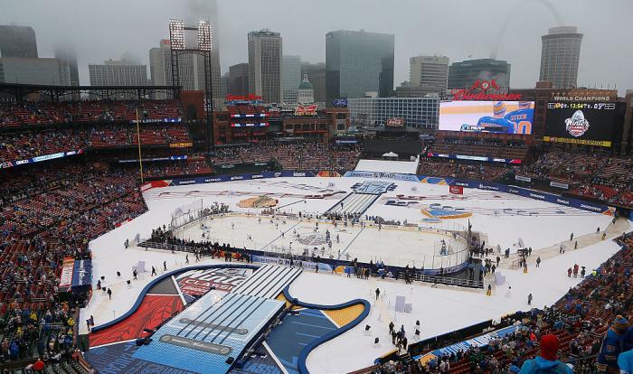 Дубль Тарасенко помог «Сент-Луису» побороть вматче «Зимней классики» НХЛ