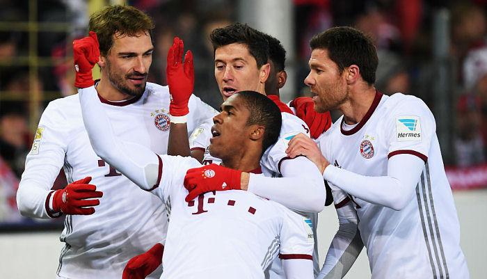 «Бавария» вырвала победу воФрайбурге вкомпенсированное время