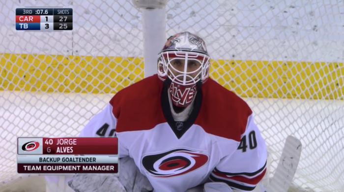 Менеджер «Каролины» отыграл 8 секунд вматче НХЛ