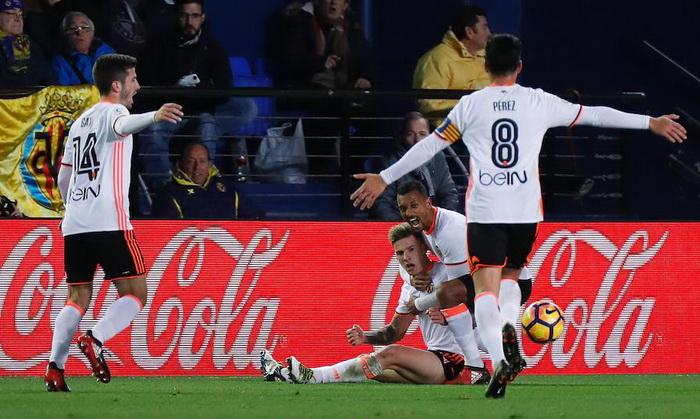 Валенсия побеждает Вильярреал на выезде